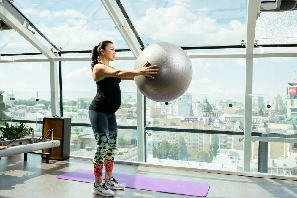 Беременность и спорт: как поддержать физическую форму и не навредить здоровью?
